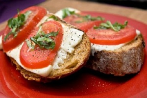 Grilled-Tomato-Basil-Open-Faced-Sandwich